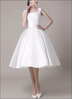Retro 50er Jahre Brautkleid aus Satin mit freiem Rücken