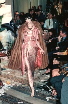 John Galliano - Ready-to-Wear - Runway Collection - Women Spring / Summer 1999