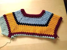Crochet raglan sweater-- sweater with hooked raglan sleeves, round crochet, crochet pattern Tunisian Crochet, Diy Crochet, Crochet Top, Free Doily Patterns, Free Pattern, Free Knitting, Knitting Patterns, Crochet Patterns, Boyfriend Crafts