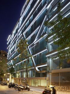 Office building at Travessera de Gràcia-Amigó, Barcelona, Spain - FINE STRIP LED
