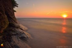 Midsummer Day's Sunset - Hamburg Beach, Hamburg, NY: Yesterday, I needed some fresh air and opted for a familiar place. A place I have been visiting more and more. I like that it is close, I like the beautiful cliffs rising from the lake, and it's a great place to watch sunsets over Lake Erie ... #etbtsy #hamburgny #buffalony #lakeerie #greatlakes #sunset #lakeeriesunset #naturephotography #landscapephotography #longexposure