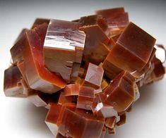 Vanadinite from Mibladen, Morocco [db_pics/pics/tu5b.jpg]