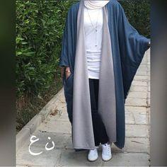 I won't consider it as an Abaya but I will definitely buy it & wear it! So beautiful. Iranian Women Fashion, Islamic Fashion, Muslim Fashion, Modest Fashion, Fashion Dresses, Modest Outfits, Stylish Outfits, Mode Abaya, Abaya Designs