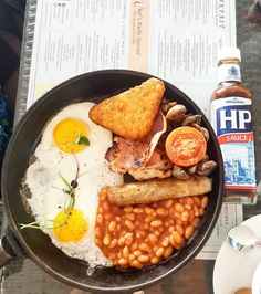 I went to the yacht club this morning with such good healthy intentions.... then I remembered how good this skillet with a full English breakfast was.... End of story...it was excellent!