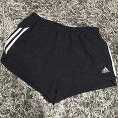 Sz L lined Climalite Adidas running shorts Side vents and inner liner, perfect for summer running or heading to the gym! Adidas Shorts