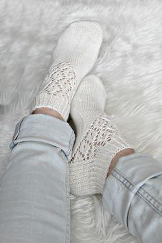Lace Knitting, Knitting Socks, Knit Crochet, Lace Socks, Wool Socks, Knit Boots, Knitting Magazine, Fashion Socks, Warm Outfits