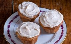 Delicious, moist Spiced Apple Cupcakes with Cinnamon Cream Cheese Frosting that are full of apple flavor.