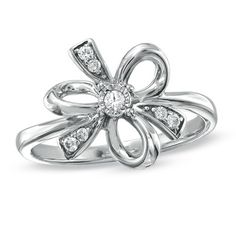 I love jewelry with bows!