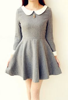 I love these kinds of dresses with the Peter Pan collar but don't have one. Sad Face :(