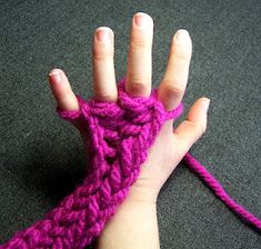 Finger knitting is very addictive and children love it for its simplicity and ease. - I used to LOVE this as a kid. Arm Knitting, Finger Knitting, Knitting For Kids, Knitting Patterns, Do It Yourself Crafts, Arm Warmers, Fingerless Gloves, Pierre Thomas, Textiles