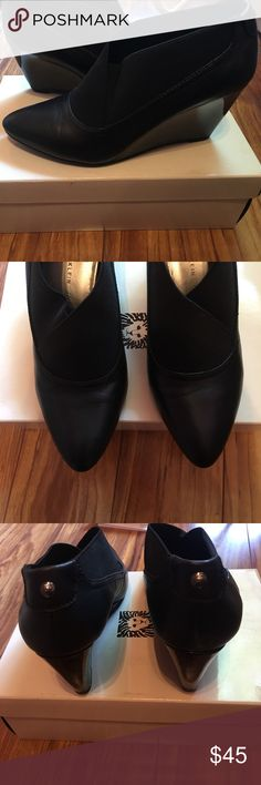 👢Anna Klein 👢Maxwell Shoe Classy and comfortable Maxwell shoe by Anna Klein. Worn once, excellent condition. Like new!! Anne Klein Shoes Heels