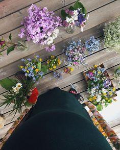 "Jenna Matintupa on Instagram: ""Blomverkstaden är i full gång 💐 #sannaviktor2019"" Daily Pictures, Floral Wreath, Wreaths, Instagram, Decor, Floral Crown, Decoration, Door Wreaths, Deco Mesh Wreaths"