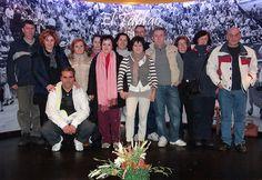 """El grupo de trabajo """"De Getafe al Paraíso"""" con uno de nuestros mejores patrocinadores y colaboradores de la exposición, la Taberna Taurina """"El Tablao"""" (24-2-2013)"""