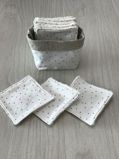 Sewing Hacks, Sewing Crafts, Sewing Projects, Diy Crafts To Sell, Handmade Crafts, Clothes Basket, Cotton Pads, Handmade Design, Baby Sewing