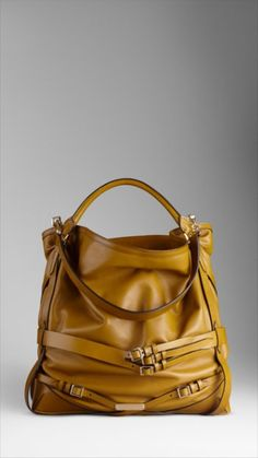 Grand sac hobo en cuir, couleur moutarde, Burberry