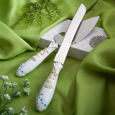 Dochsa Finishing Touches Collection beach themed wedding cake knife and server set https://dochsa.com #BeachTheme