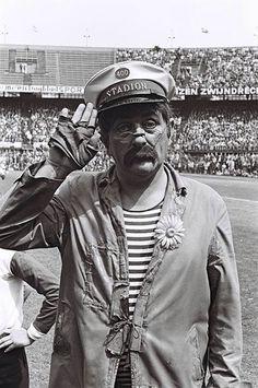 "Tom Manders alias Dorus in stadion Feijenoord "" de Kuip "" Rotterdam, Dutch People, Film Books, My Youth, Old Movies, Childhood Memories, Netherlands, Holland, Tv Series"