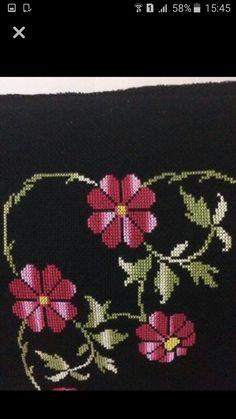 Diy Crafts And Hobbies, Cross Stitch, Brooch, Cross Stitch Borders, Towels, Roses, Dots, Art, Punto De Cruz