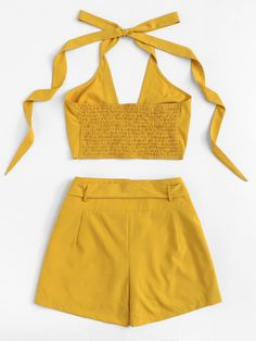 Solid Halter Top With Tie Waist Shorts Cute Comfy Outfits, Cute Summer Outfits, Como Fazer Short, Looks Pinterest, Yellow Clothes, Iranian Women Fashion, Tie Waist Shorts, Vetement Fashion, Mode Chic