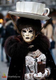 cappuccino-costume-carnival-venice