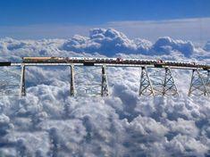 San Antonio de los Cobres (Argentina), cerca de la frontera con Chile en el camino a San Pedro de Atacama (Chile).   Tren a las nubes El tren corre 434 km. En casi quince horas (ida y vuelta). La línea de ferrocarril tiene 29 puentes, 21 túneles, 13 viaductos, 2 espirales y 2 zigzags. Uno de los más altos
