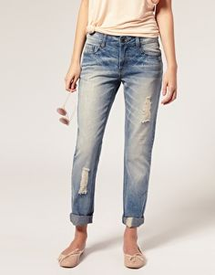 vintage style boyfriend jeans from ASOS..loveeee got to get