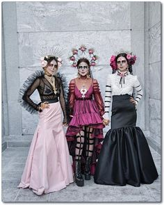 Every year I love attending Dia De Los Muertos Festival event. It's a place of peace and love. 🖤 We celebrate food,… Halloween Inspo, Halloween 2019, Halloween Outfits, Halloween Make Up, Halloween Party, Mexican Halloween Costume, Day Of The Dead Costume Dress, Sugar Skull Costume, Sugar Skull Halloween