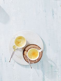 Just the thing for shaking up your morning routine! You'll forget all about coffee onceyou've had a sip of this soothing hot beverage made with almondmilk, fresh turmeric and ginger, coconut oil, cinnamon, and honey.