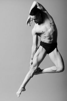 Work   Aloft: The New Dance Project   Peddecord Photo. We forget to focus on the beauty of the male form...
