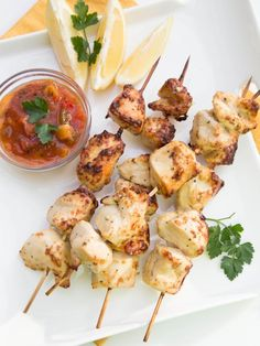 I cannot wait for the summer season to be here. Can you? I miss hiking, chilling in a nice sunny weather and most of all, I miss summer foods. Just cannot wait to eat fresh fruit and most definitely grilled foods. A friend of mine shared this recipe with me and a tip to bake chicken kebabs in the oven. Chicken turned out moist and well balanced in flavor.