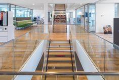 Breeam project City Hall of Leidschendam-Voorburg by Dennebos Flooring 01 - MyHouseIdea Balustrade Design, Railing Design, Hall Interior Design, Studio Interior, Glass Stairs, Steel Stairs, Amazing Buildings, Timber Flooring, Stairways