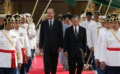 The King  Bhumibol Adulyadej with president Jacques Chirac in 2006