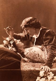 Oh...this makes my heart flutter.  (Mrs. Patrick Campbell as Juliet and Sir Johnston Forbes-Robertson as Romeo. 1895)