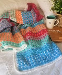 Chasing Colors Blanket 2019 NEW PATTERN! You won't have to run for long once you start hooking this Chasing Colors Blanket! The post Chasing Colors Blanket 2019 appeared first on Yarn ideas. Crochet Pillow, Crochet Poncho, Free Crochet, Irish Crochet, Crochet Hooks, Little Mac, Crochet For Beginners Blanket, Crochet Afgans, Vintage Blanket