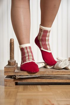 Finnish National Costume of Tavastland inspired socks. Pattern via Ravelry. I should learn to knit now. Quickly!