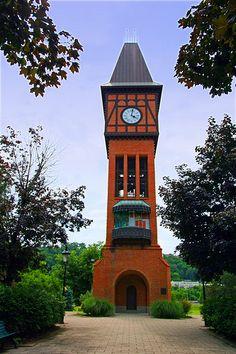 Carroll Chimes Bell Tower by B.Riga, via Flickr