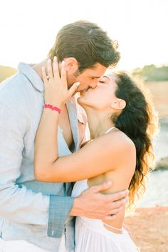 Romantic sunset kisses: http://www.stylemepretty.com/destination-weddings/2015/09/09/romantic-spanish-sunset-engagement-session-in-ibiza/ | Photography: Ana Lui - http://www.analuiphotography.com/
