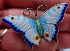another view of this fantastic 1908 FULL ENGLISH HALLMARK SILVER & ENAMEL BUTTERFLY BROOCH PIN