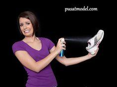 Tips Mengatasi Bau Sepatu yang Tak Sedap | Pusat Model