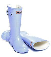 Children's Hunter Boots in Pale Powder Blue - Boys & Girls sizes UK EU Reflective safety patch on heel and rear top. Hunter Wellington Boots, Girls Sizes, Wellies Boots, Hunter Original, Hunter Boots, Rubber Rain Boots, Boy Or Girl, Safety, Powder