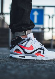 Nike Air Tech Challenge II 'Hot Lava' (via Kicks-daily.com)