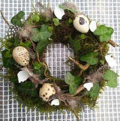 Forårskrans - Beste Pins - Lilly is Love Easter Wreaths, Holiday Wreaths, Christmas Decorations, Holiday Decor, Nature Crafts, Diy Flowers, Easter Crafts, Easter Eggs, Flower Arrangements