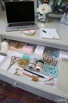 Creative Drawer Organizing Tips and Products – Home Office Design Diy Organisation Hacks, Home Office Organization, Organizing Tips, Organizing Drawers, Study Room Decor, Cute Room Decor, Desk With Drawers, Stationery, Maximize Space
