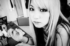Scandal Scandal Japanese Band, Mami Sasazaki, Selfie, Mirror, Mirrors, Selfies