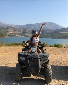 quad biking in greece Country Girl Life, Bike Photoshoot, Go Ride, Quad Bike, Big Rig Trucks, Cute Poses, Foto Pose, Summer Photos, Dream Life