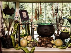 ***The Cauldron can be lighted with two sets of Christmas lights, one flashing the other steady burning. Than cover with green plastic wrap*** Home & Family - Tips & Products - Wicked Window Display with Ken Wingard Halloween Window Display, Halloween Displays, Theme Halloween, Holidays Halloween, Spooky Halloween, Halloween Crafts, Halloween Decorations, Halloween Ideas, Halloween Table