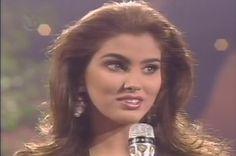 Denise Floreano - Miss Venezuela, dentro del Top 6 en el Miss Universe 1995 respondiendo la Preunta Final.. by Antoni Azocar
