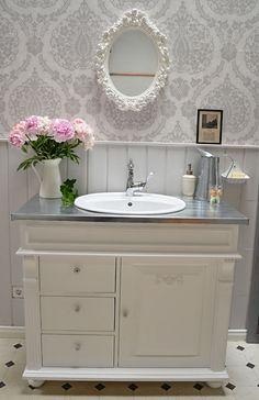 auvillars nostalgischer landhaus waschkommode waschtisch von badm bel landhaus land und. Black Bedroom Furniture Sets. Home Design Ideas