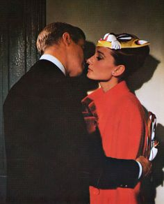 Audrey Hepburn and George Peppard in Breakfast at Tiffany's, 1961 George Peppard, Audrey Hepburn, Golden Age Of Hollywood, Classic Hollywood, Old Hollywood, Divas, Blake Edwards, Holly Golightly, Actrices Hollywood