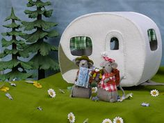 The Caravan for Morris and Miny by Tintangel on Etsy